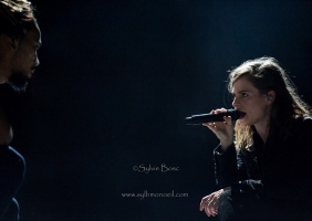 Concert Christine and the Queens – Festival Les Déferlantes 2015 – Argelès sur Mer (66)
